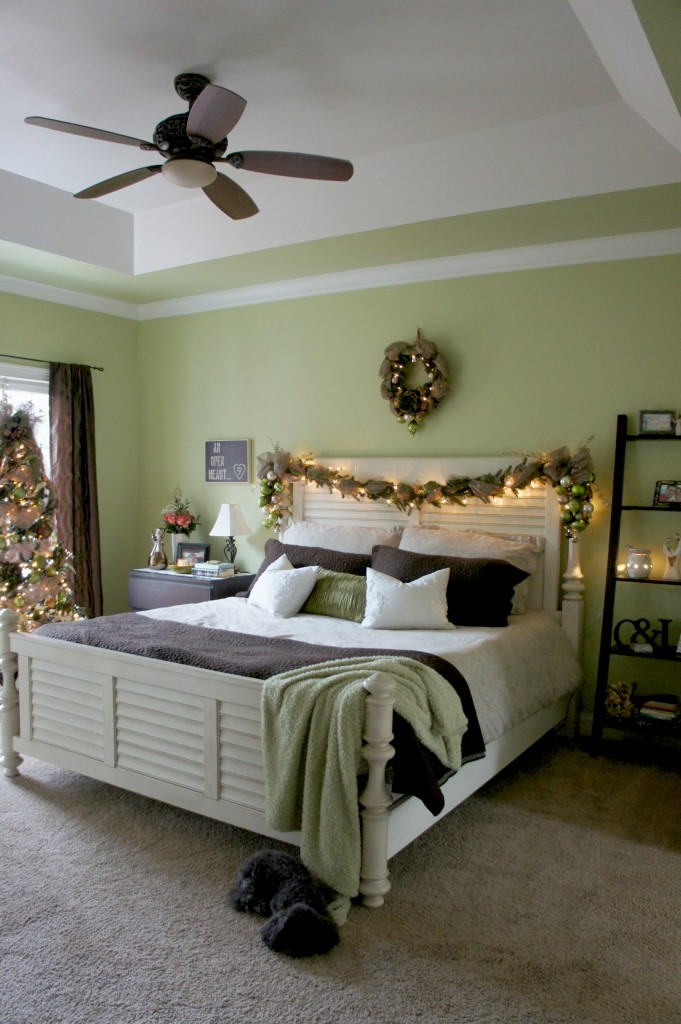 bedroom christmas decor